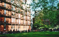 London - Mayfair, St George`s Gardens, May 2004