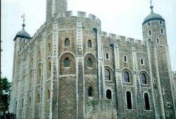London - Tower of London, White Tower, Sept 2002 Wallpaper