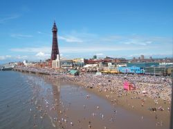 View of Blackpool Beach on 10 July 2005, taken from the top of the big weel on central pier!