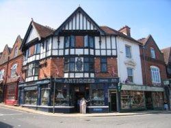 Lyndhurst, Hampshire. Lyndhurst Antique Centre