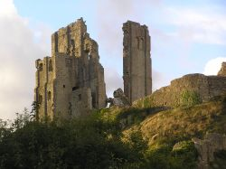 A picture of Corfe Castle