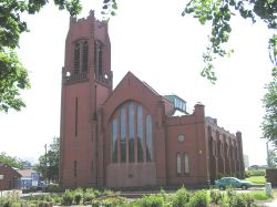St Thomas's Church, St Helens (May 2006)