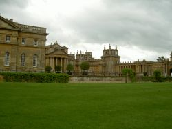 Blenheim Palace in Woodstock, Oxfordshire. Wallpaper