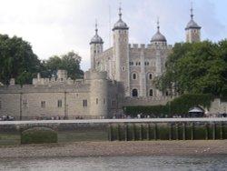 Tower of London, 2002 Wallpaper
