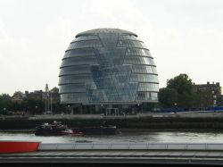 London - City Hall (front view)