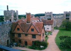 Overview Framlingham Castle, Framlingham in Suffolk Wallpaper