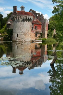 Castle Moat & Dragon