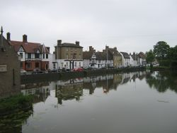 Godmanchesterby the river