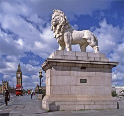 Lion, Westminster Bridge