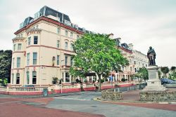 Hotel in Folkestone and William Harvey`s Statue