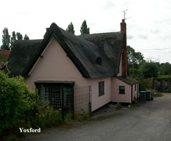 A pretty thatched cottage in Yoxford