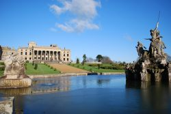 Witley Court and fountain
