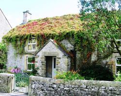 Pretty cottage in the Peak District