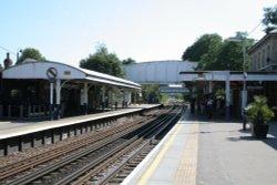Kew Gardens Railway Station