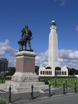 Drake Memorial and War Memorial, Plymouth Hoe