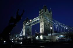 Towerbridge and statue