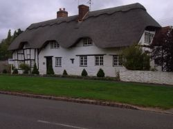The Thatches, Lower quinton