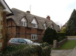 Thatched cottage in Wolf's Lane