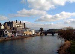 Carmarthen Town Bridge. Wallpaper