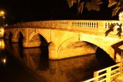 Bridge over the River Thames at Henley Wallpaper