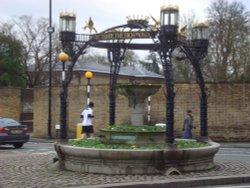 Richmond Hill, a former fountain