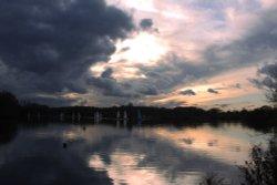 Sailing at Kingsbury Water Park Wallpaper