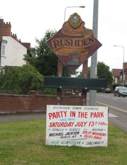 Rushden Town Council 'Welcome To Rushden' sign