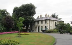 White Lodge Mansions