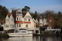 Riverside House at the Warren, Caversham