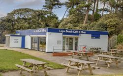 Lepe Cafe and Shop