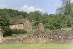 Rievaulx Abbey Ruins & Cottage (2)