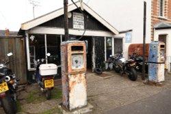 Turner's Garage, Queen's Road, Caversham