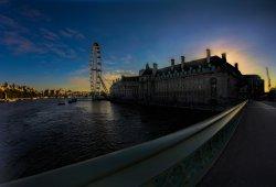 Sunrise over London Eye