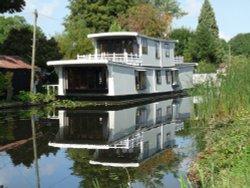 Boathouse on the river Soar, long Eaton