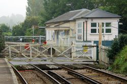 East Farleigh level crossing