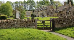 Picturesque  Snowshill Middle Ages village