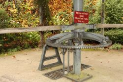 Gear mechanism of Horse Wheel at Greys Court