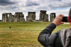Free National Trust viewpoint of Stonehenge