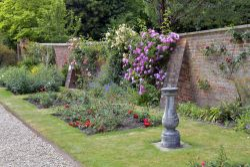 Riverhill Gardens