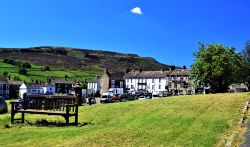 Relaxing Reeth