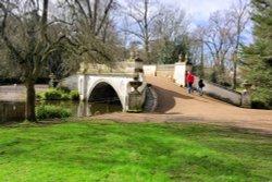 Chiswick House's Classic Palladian Bridge