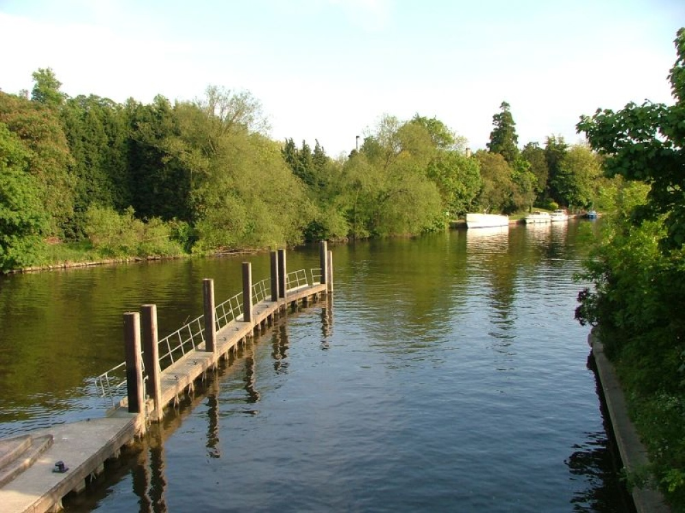 View of the Thames from the Boulters Lock Bridge, Maidenhead, Berkshire.