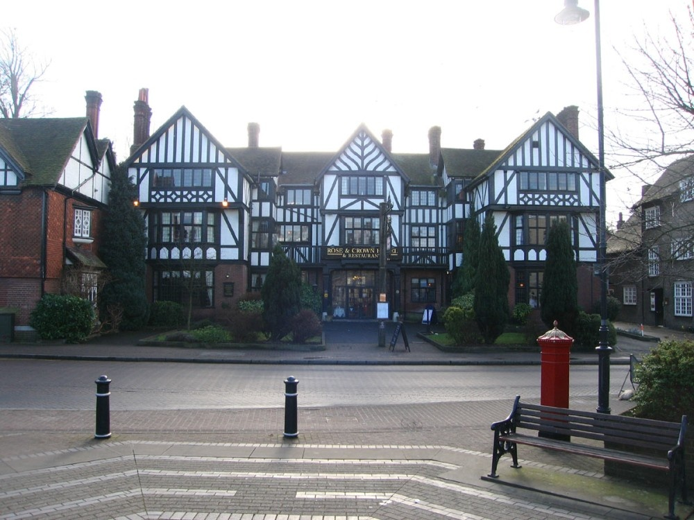 Rose Crown Hotel In Tring Hertfordshire By Poe At Picturesofengland