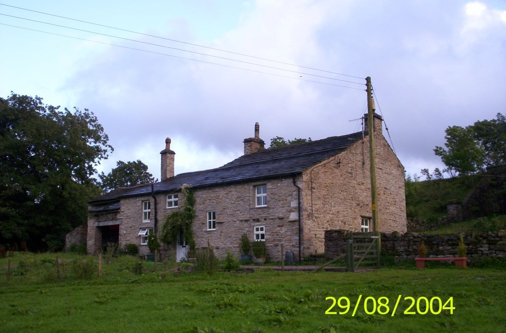 This is Mid Mossdale Farmhouse, the only dwelling in Mid