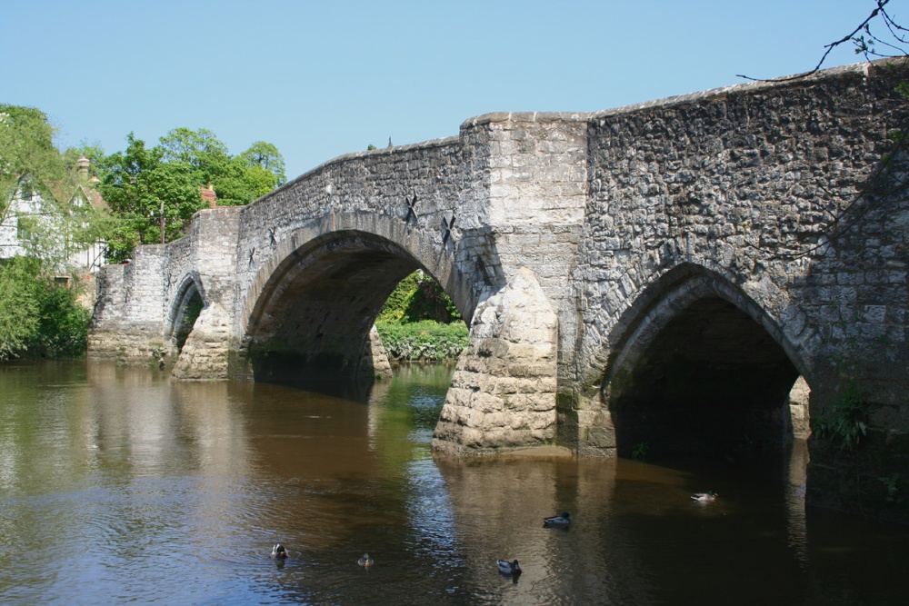 The 700 yr old medieval bridge at Aylesford, Kent