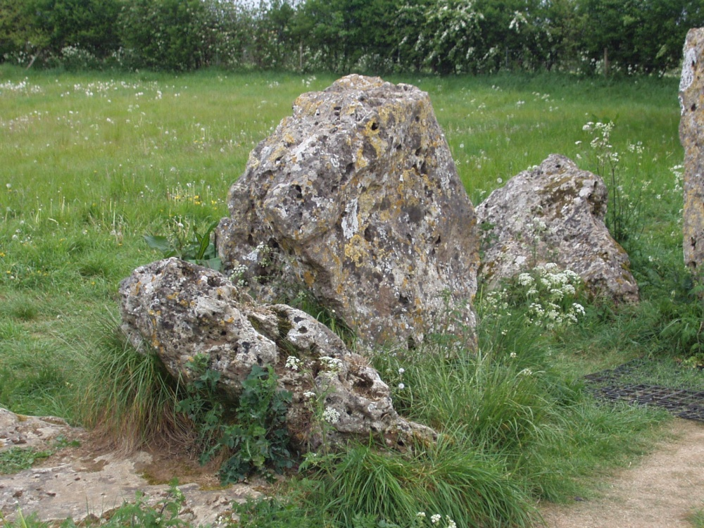 Legends of the Rollright Stones, Oxfordshire (Article ... |Rollright Stones Oxfordshire
