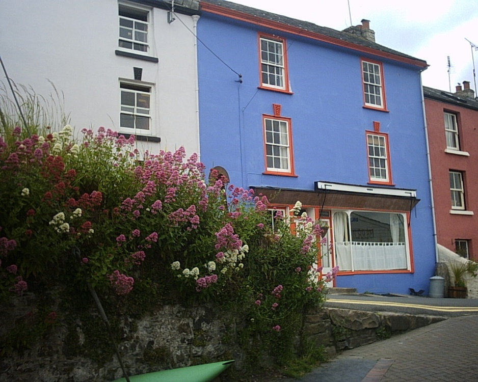 Painted house in Calstock, Cornwall