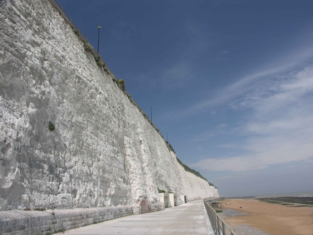 Quot Ramsgate White Cliffs Quot By David Long At Picturesofengland Com