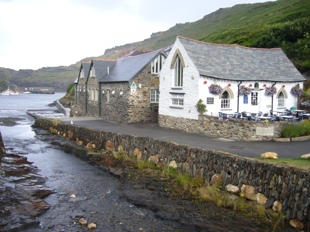 comment and compare the boscastle and