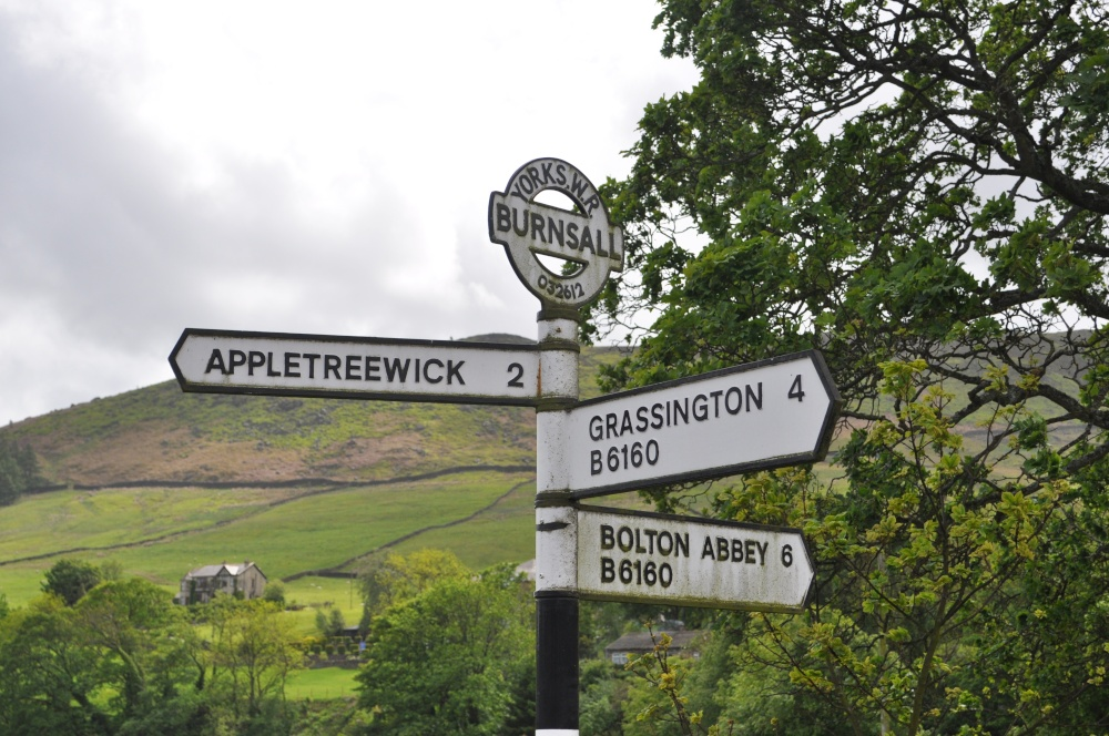 Signpost To Appletreewick 2 Miles Away By Jez Taylor At PicturesofEngland